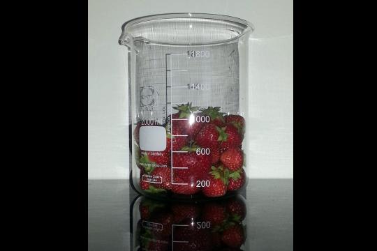Measuring strawberry volume